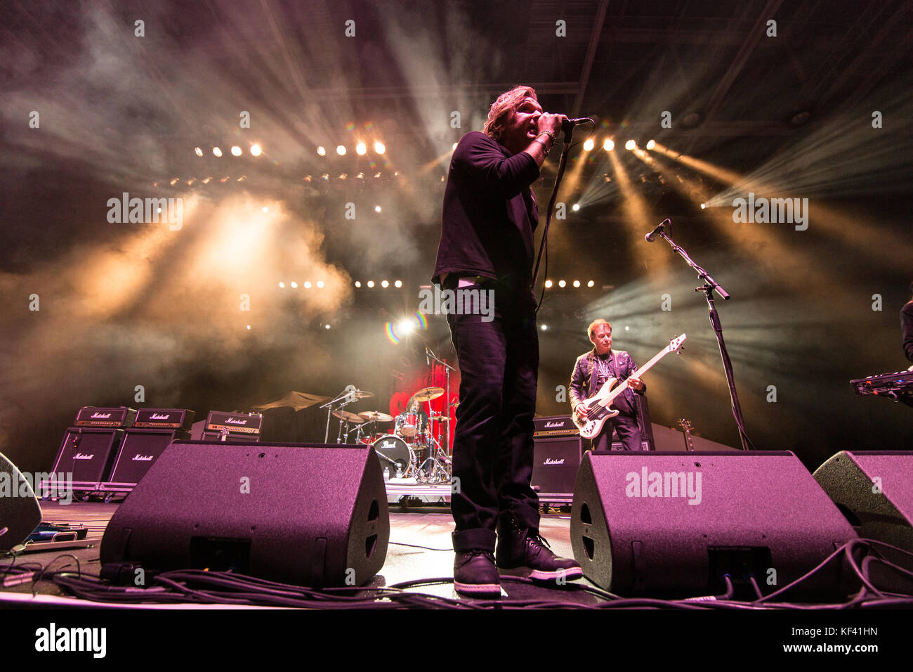 ABBOTSFORD, CANADA. 22nd Oct, 2017. Canadian hard rock band Honeymoon Suite performing at the Abbotsford Centre - Stock Image