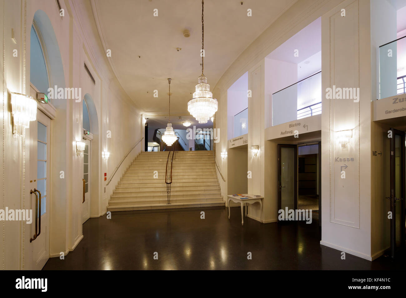 state theatre entrance hall stock photos state theatre entrance hall stock images alamy. Black Bedroom Furniture Sets. Home Design Ideas
