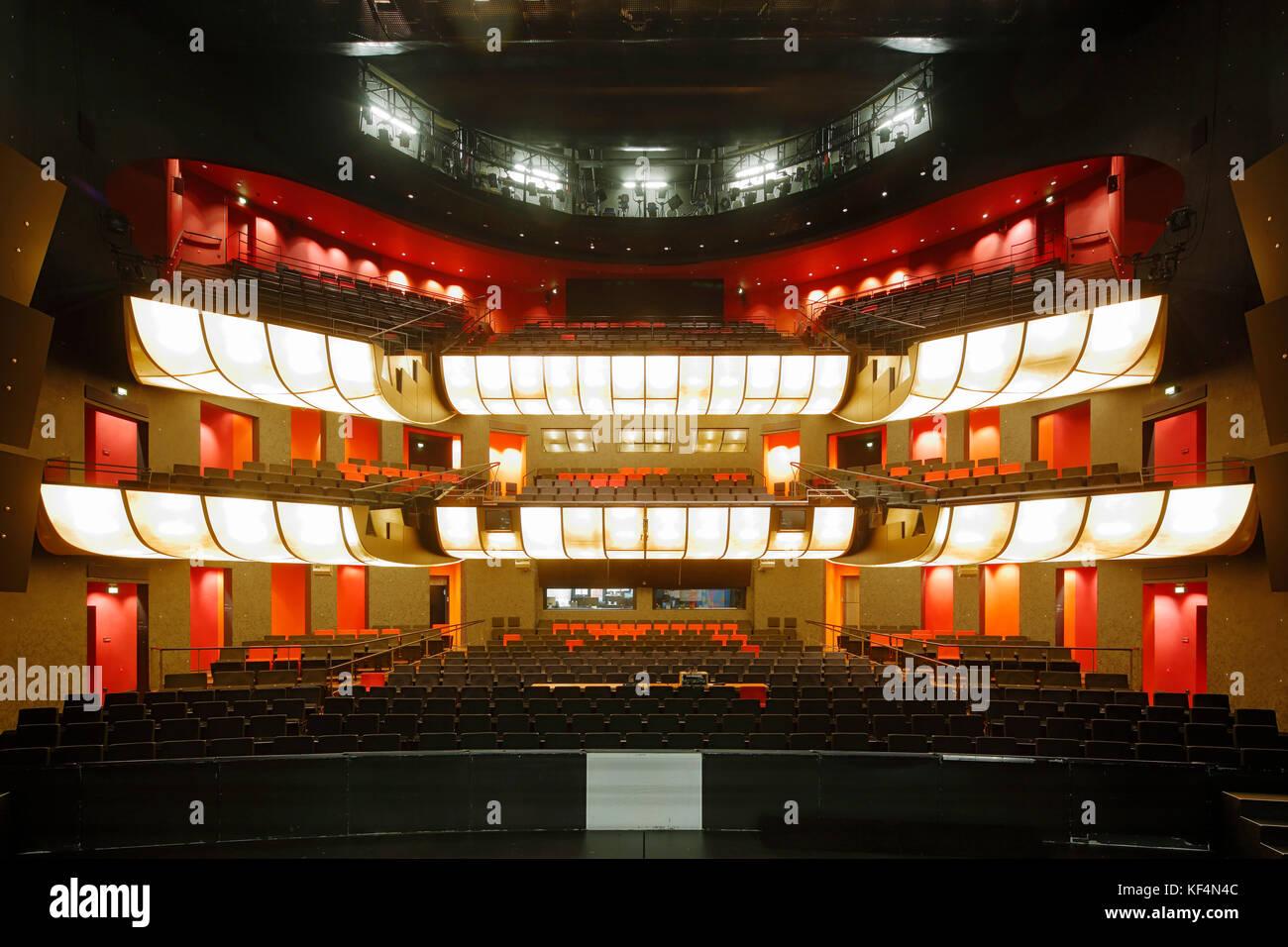 staatstheater in mainz rheinland pfalz grosses haus zuschauerraum stock photo royalty free. Black Bedroom Furniture Sets. Home Design Ideas