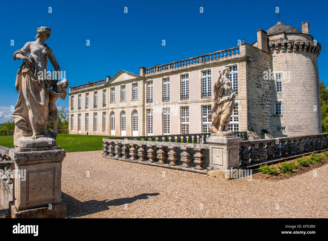 saint emilion statue stock photos saint emilion statue. Black Bedroom Furniture Sets. Home Design Ideas