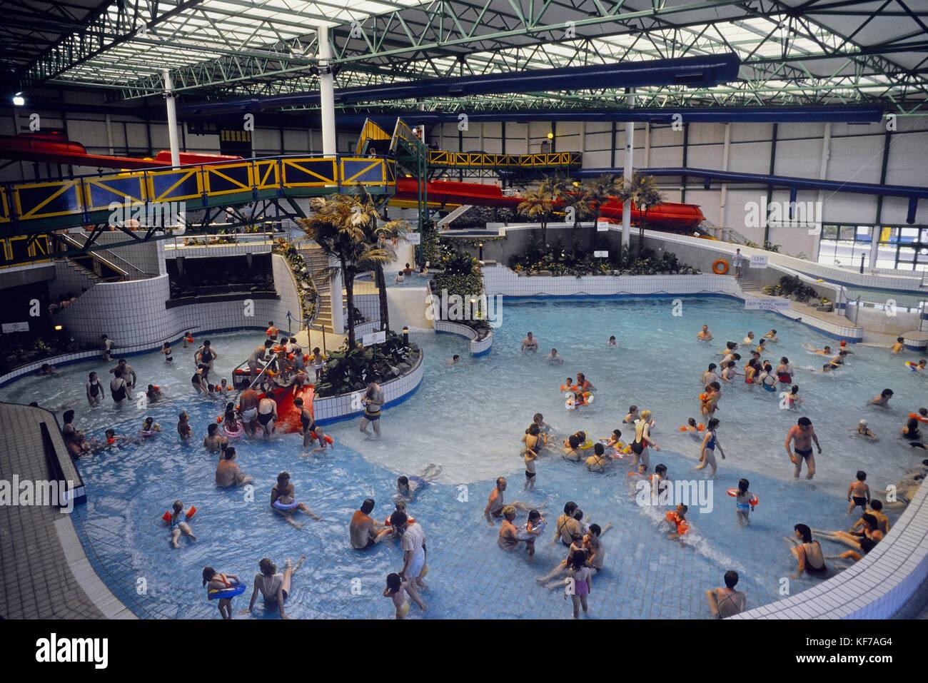 Butlins camp stock photos butlins camp stock images alamy for Bognor regis butlins swimming pool