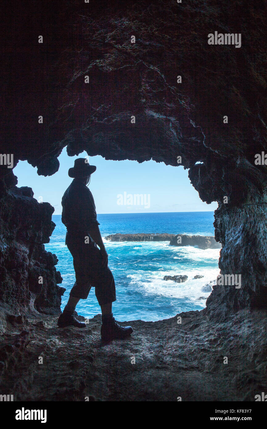 EASTER ISLAND, CHILE, Isla de Pascua, Rapa Nui, the beautiful scenery while walking the cliffs to Ana KaKenga and - Stock Image