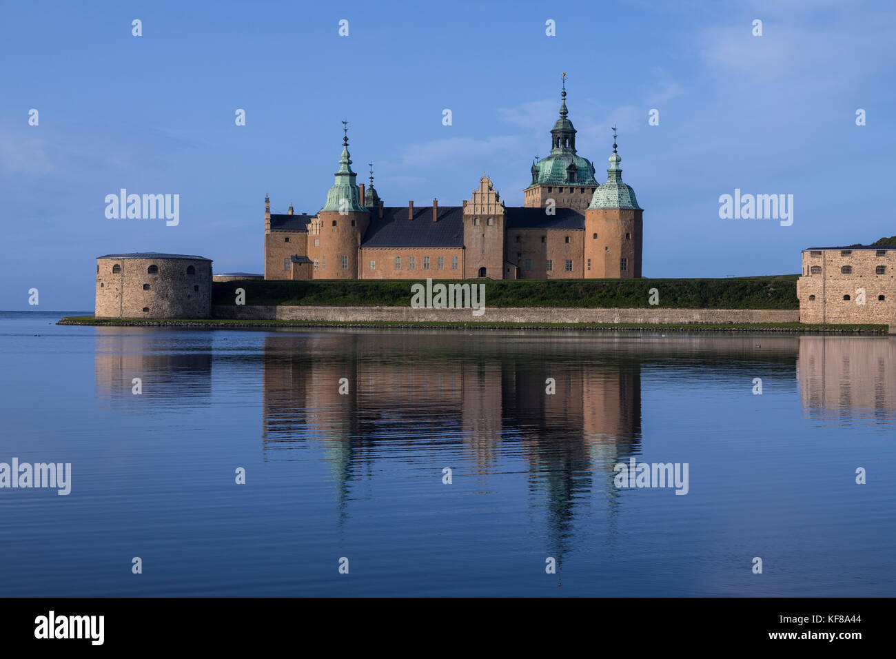 Kalmar Castle or Kalmar Slott - a castle in the city of Kalmar in the province of Smaland in Sweden. Parts of the - Stock Image