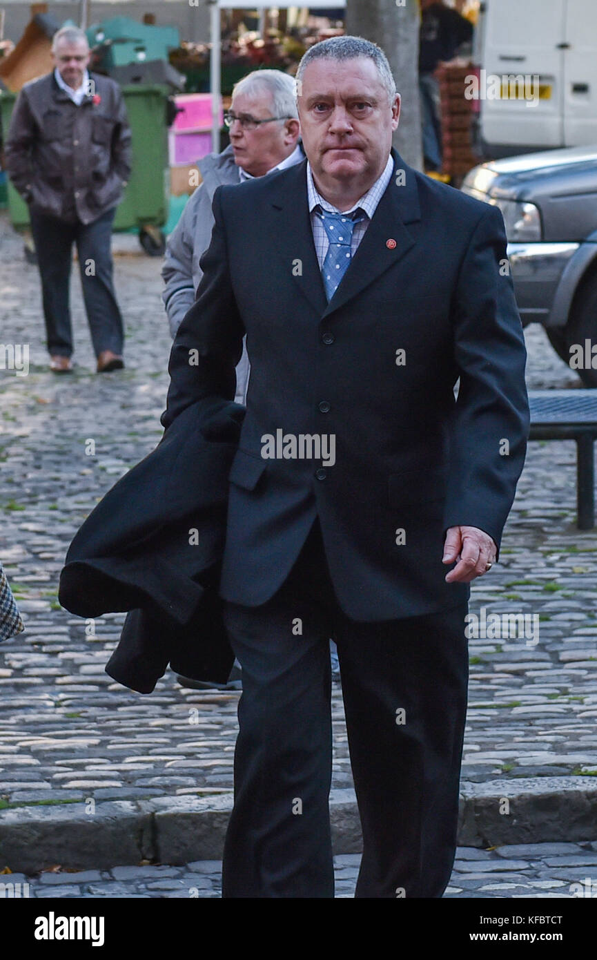 Aylesbury, United Kingdom. 27th October 2017. David Wagstaff, 53, arrives at Aylesbury Crown Court in Buckinghamshire. - Stock Image