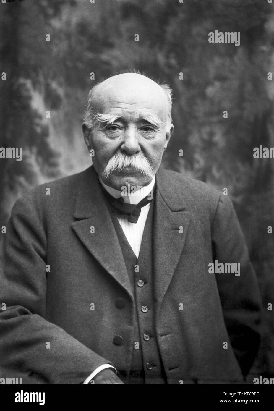 george clemenceau Georges clemenceau, writer: the strongest georges clemenceau was born on september 28, 1841 in mouilleron-en-pareds, vendée, france as george benjamin eugene clemenceau.