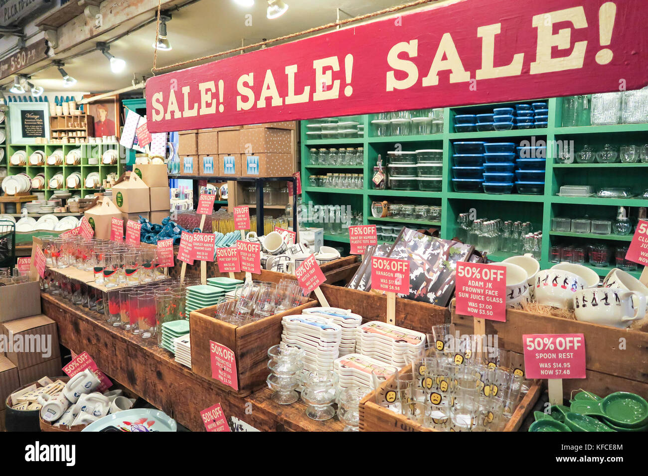 Retail sale signs united states stock photos retail sale for Home goods stores nyc