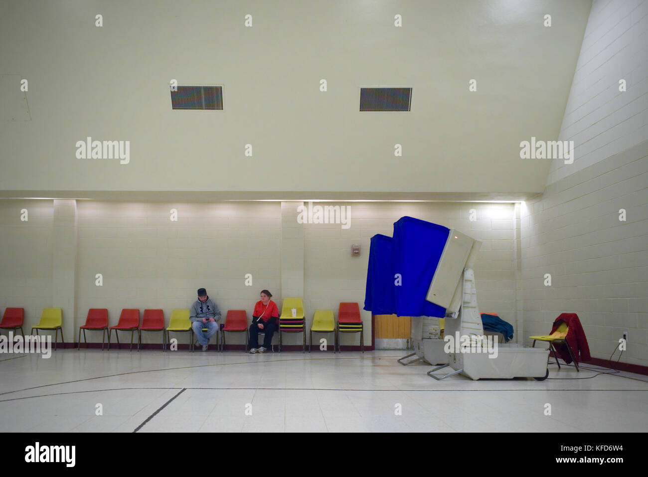 Voters at a Philadelphia, PA poling station on Election Day. - Stock Image