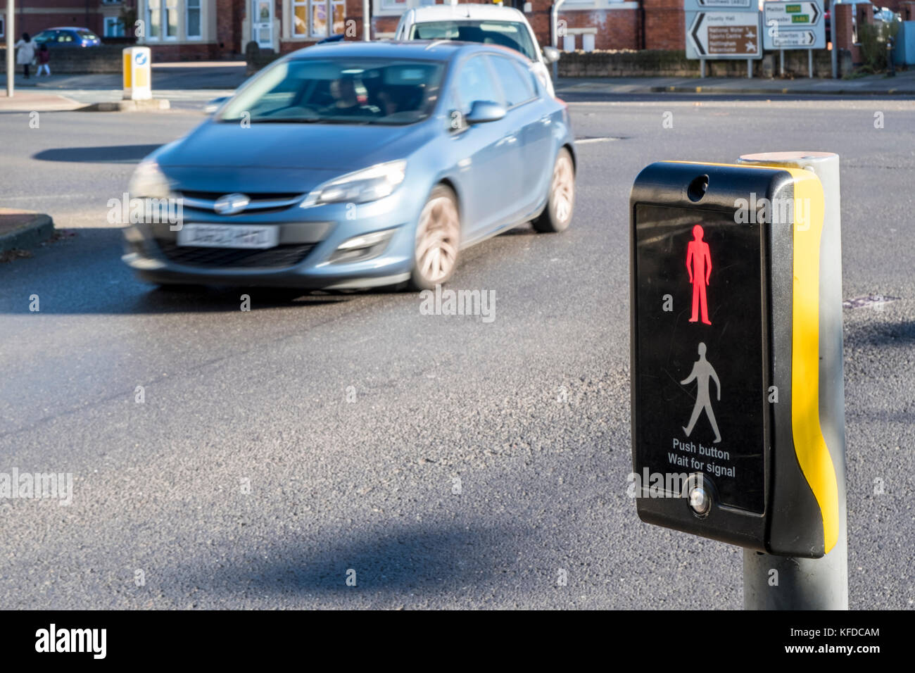 'scrambled' pedestrian crossings at signal controlled Determining where and how to mark uncontrolled crosswalks   pedestrian  traffic control devices (signs, markings, and signals) x collision  pedestrian  scramble – in beverly hills, ca, daytime pedestrian activity is very high in the.