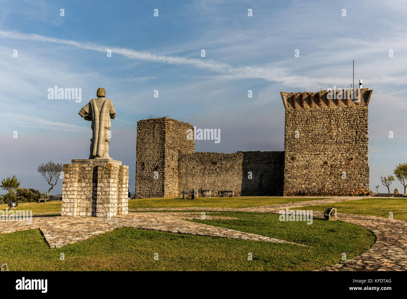 Ourem, Portugal, August 12, 2017: Statue of the Commander Nuno Alvares Pereira in front of the Medieval Castle of - Stock Image