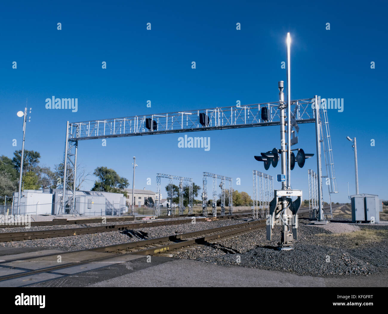 railroads crossing dangers essay Railroad crossing essay railroad crossings are dangerous intersections  between regular roads and the rails that trains ride on avoiding the.