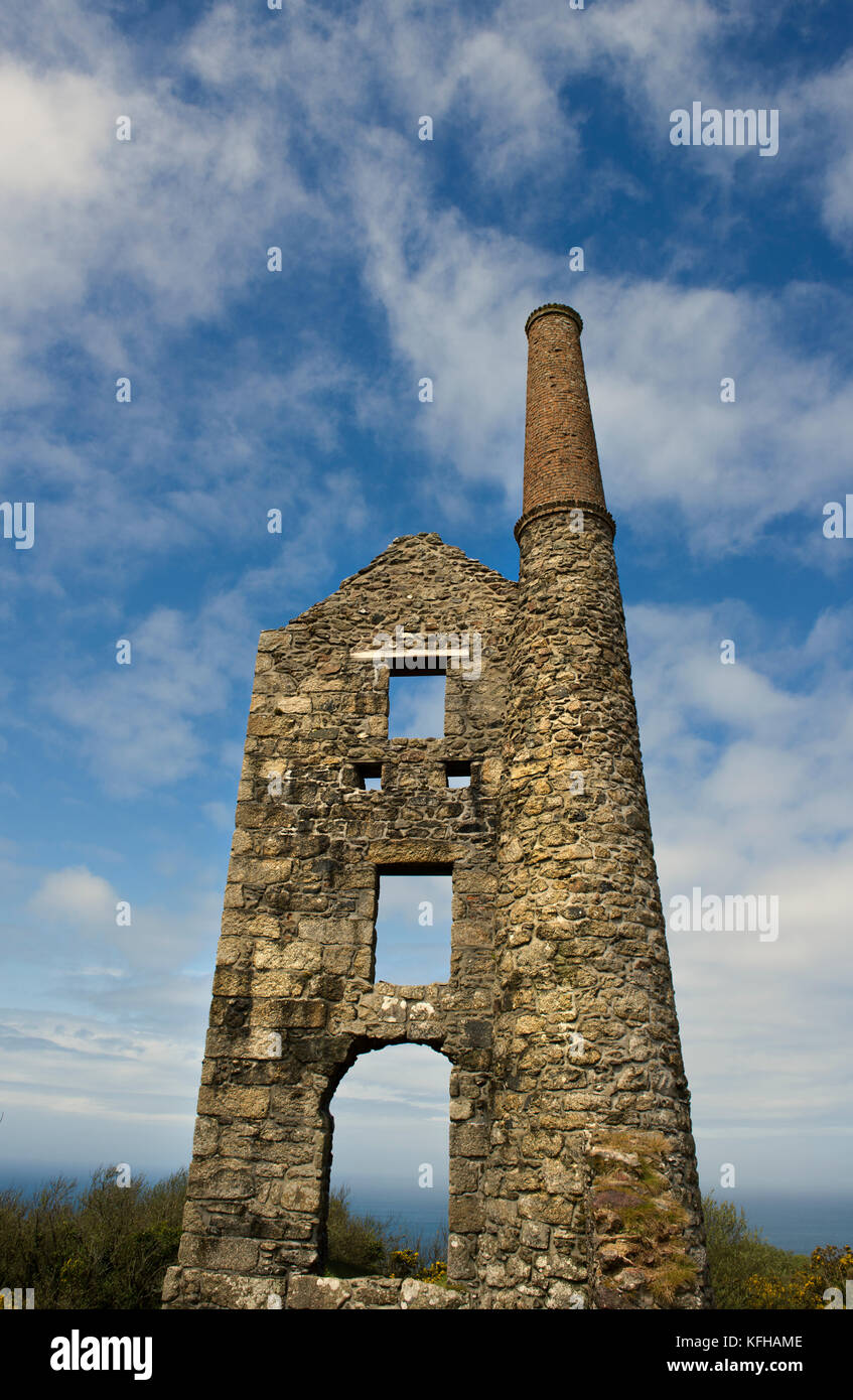 Ruins of an abandoned tin mine in Cornwall, England, UK - Stock Image