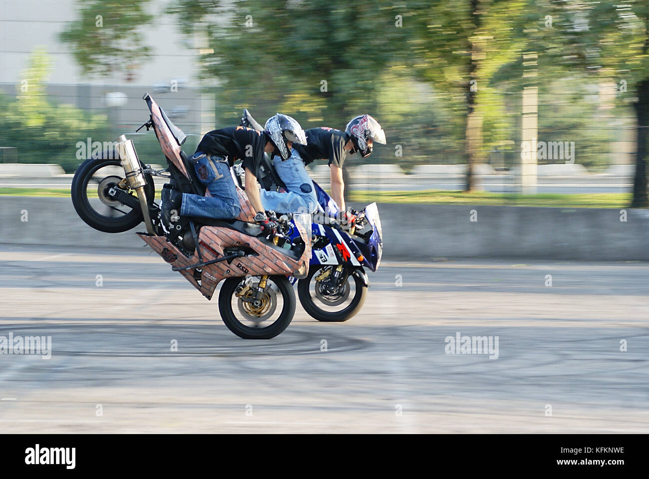 two-stunt-performers-executing-synchroni