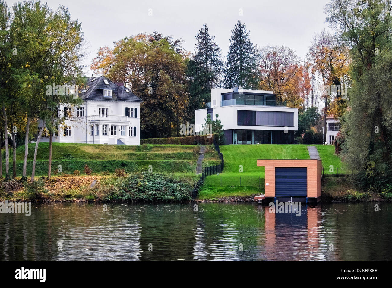 Griebnitzsee stock photos griebnitzsee stock images alamy for Luxury lake house