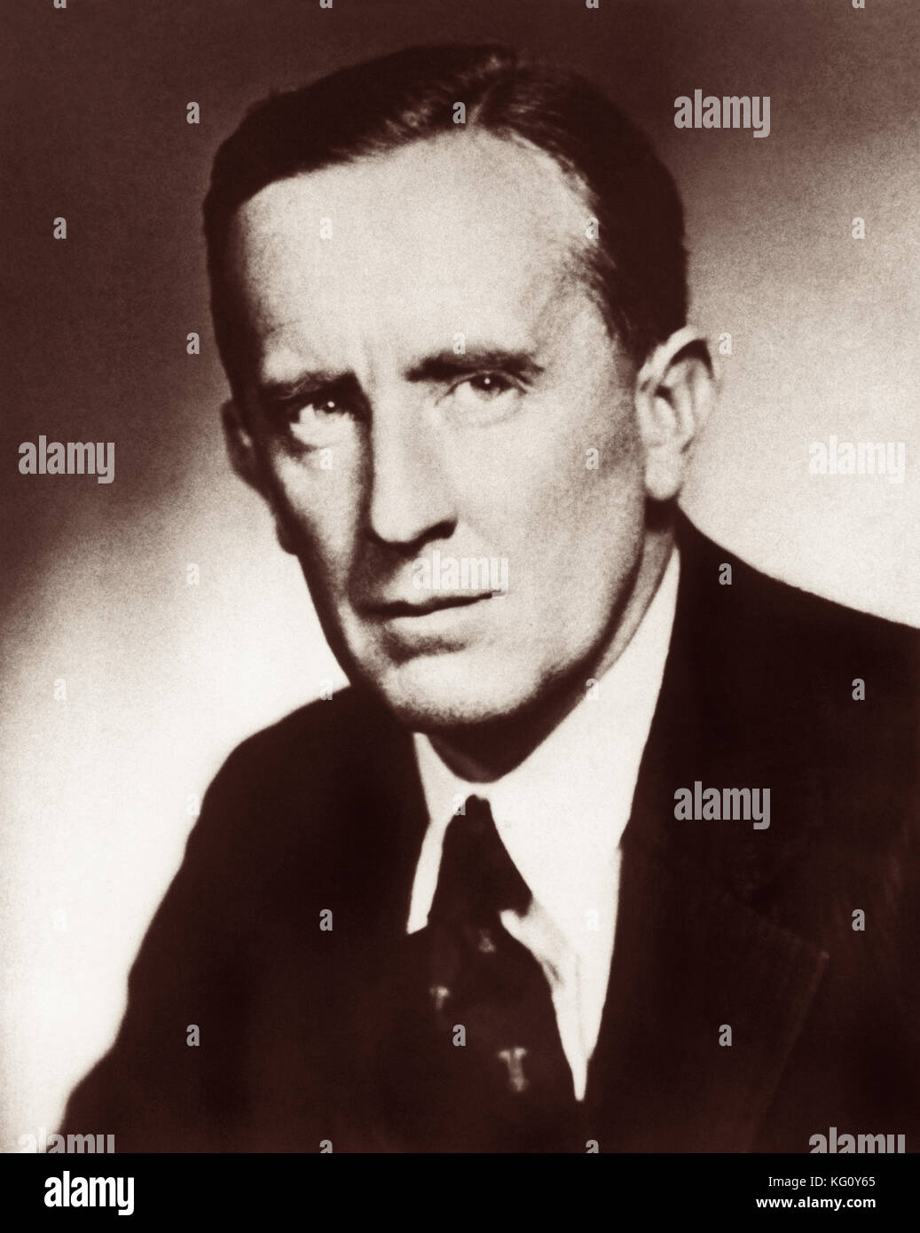 biography of j r r tolkien The tolkien name was derived from german tolkien (who was fascinated with languages said the surname came from the german word tollkühn, meaning foolhardy.
