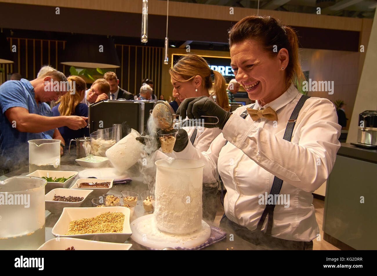 display-of-molecular-gastronomy-female-c
