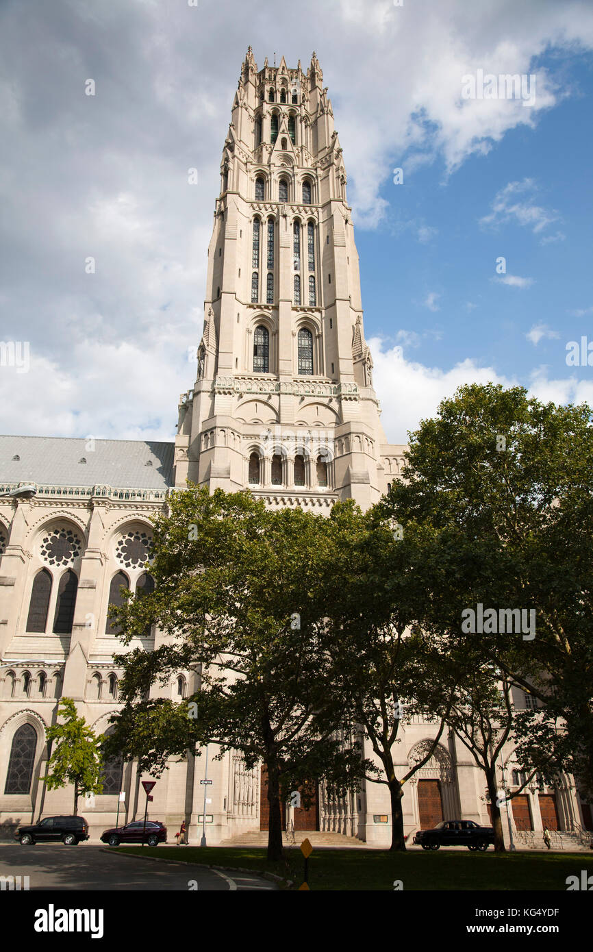 """an analysis of the cathedral of st john the divine The world's largest cathedral, st john the divine is also known as """"the green cathedral"""" in the 1980s and 1990s, it became the center of a global forum of thinkers and seekers working on."""