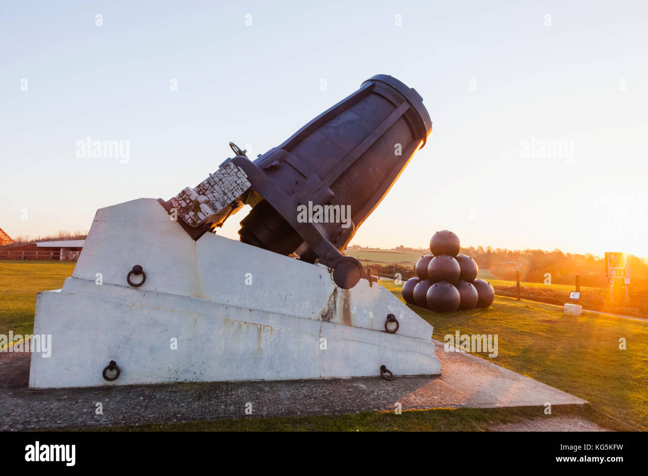 England, Hampshire, Portsmouth, The Royal Amouries Military Museum Fort Nelson, Mallet's Mortar Gun - Stock Image