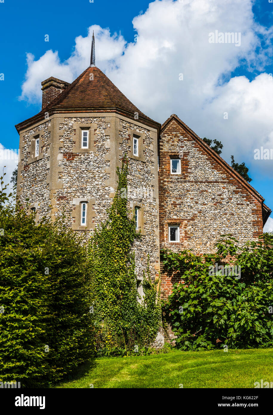 Mansion house and gardens, Greys Court, Oxfordshire, UK - Stock Image
