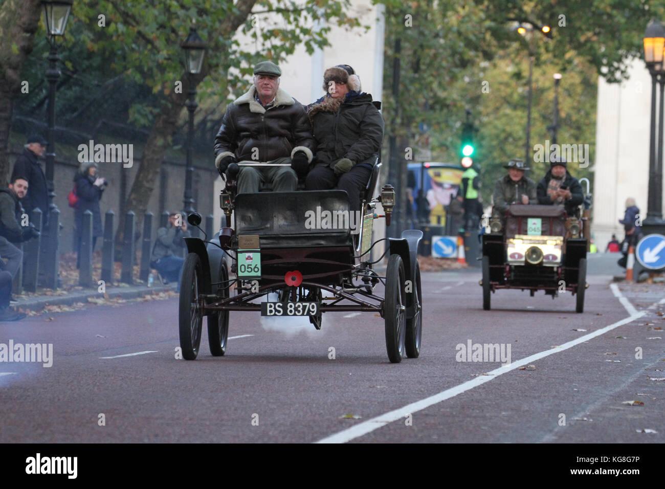 London, UK. 05th Nov, 2017. Hyde Park Corner, London, UK - November 5: Over four hundred veteran cars were scheduled - Stock Image