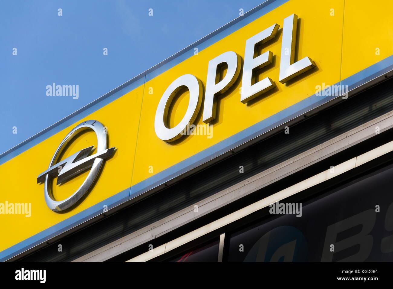 Peugeot Dealership Sign Stock Photos Amp Peugeot Dealership
