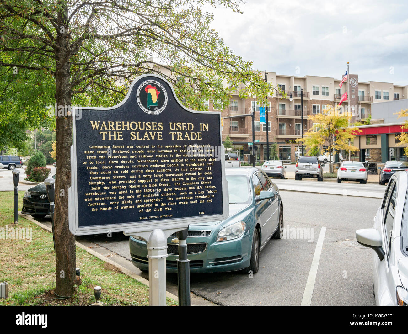 Historical marker describing the warehouses used in the 1800's during the height of the slave trade in Montgomery, - Stock Image