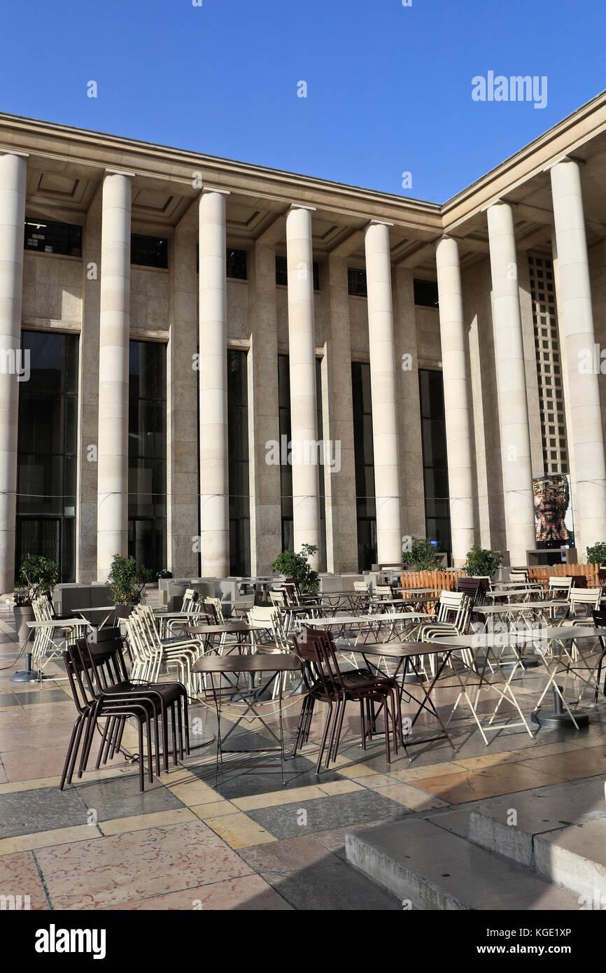 Cafe De Paris Entry Fee