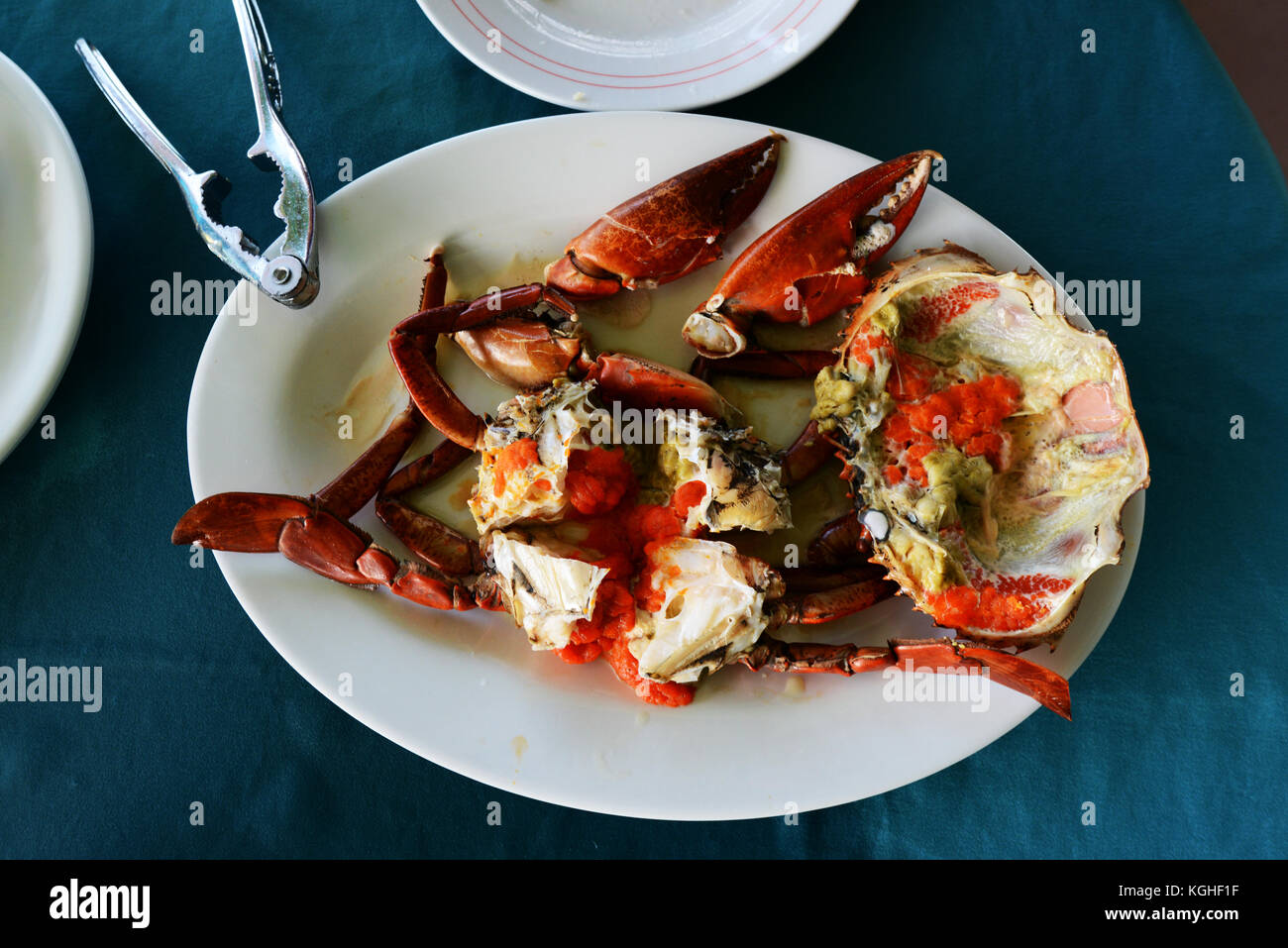 Freshly cooked crab served in a seafood restaurant in Sok Kwu Wan in Lamma Island, Hong Kong. - Stock Image