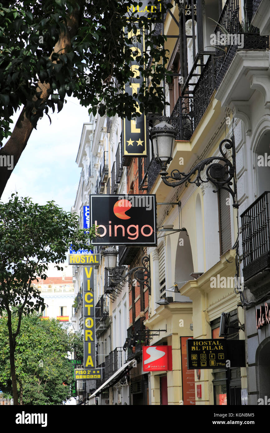 Hotel signs stock photos hotel signs stock images alamy for Hostal cerca puerta del sol
