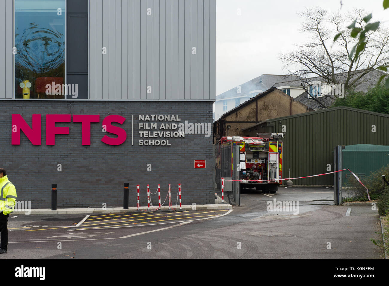 Beaconsfield, United Kingdom. 09th November 2017. A large fire has ripped through a single-storey building used - Stock Image