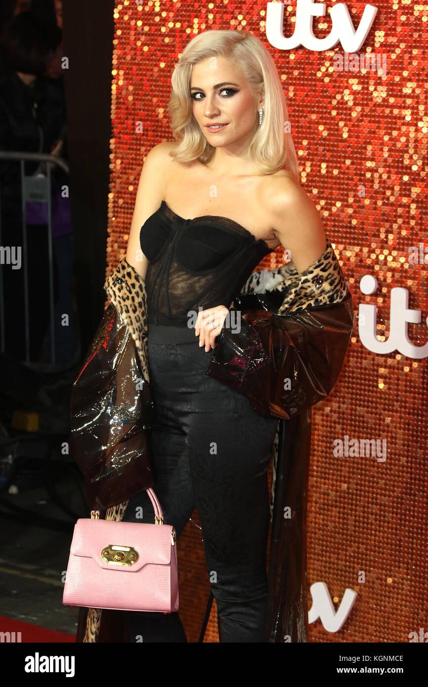 London, UK. 9th November, 2017. Pixie Lott, ITV GALA, London Palladium, London, UK. 09th Nov, 2017. Photo by Richard - Stock Image