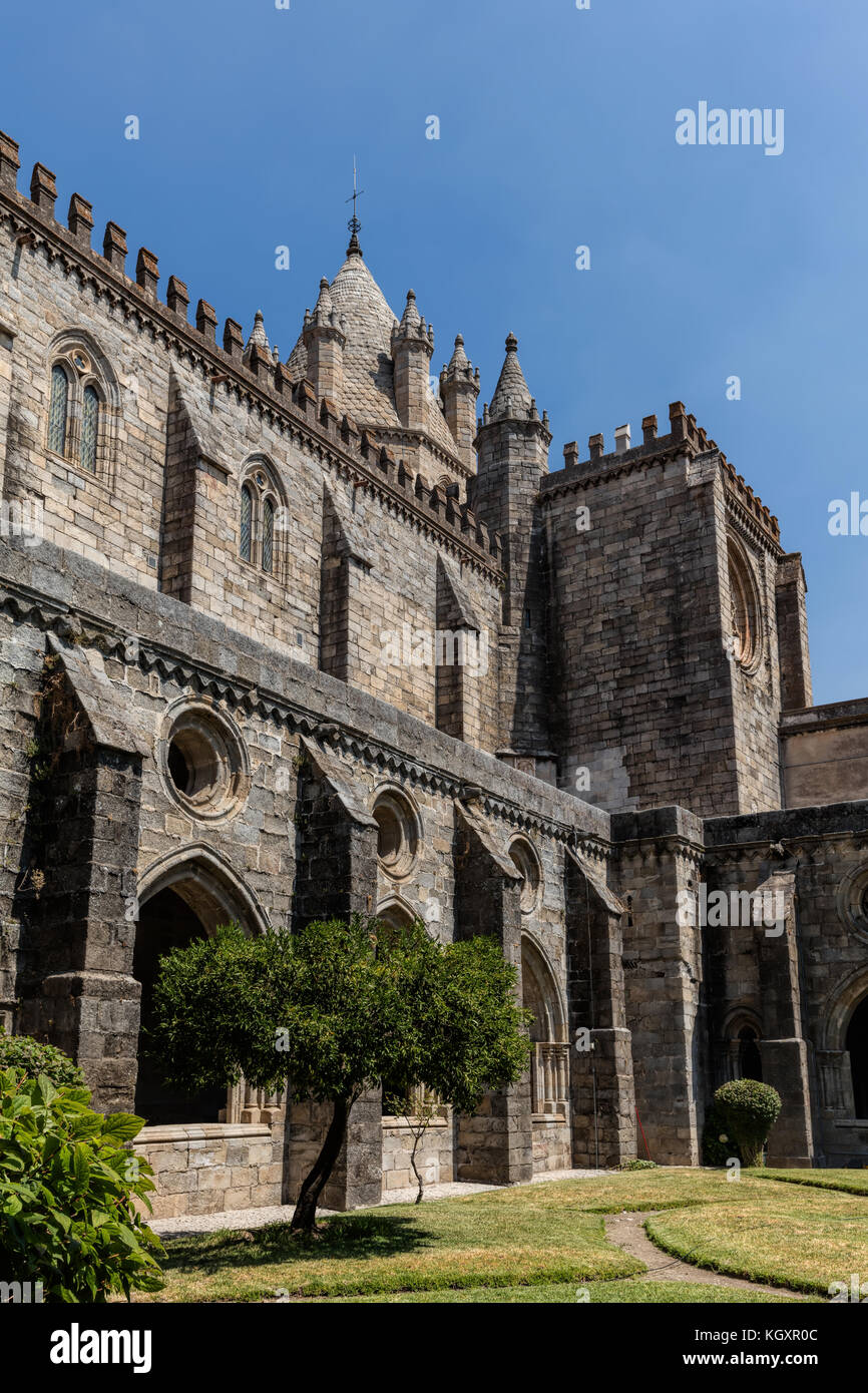 Cloisters of the Se Cathedral of Evora, Portugal, originated in the 13th century, declared a World Heritage Site - Stock Image