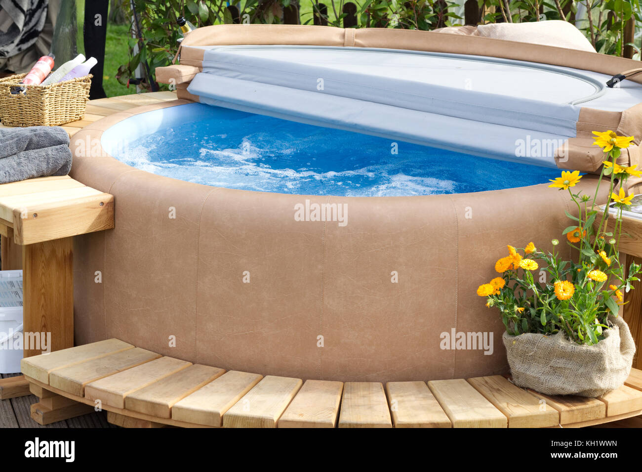 jacuzzi garden stock photos jacuzzi garden stock images alamy. Black Bedroom Furniture Sets. Home Design Ideas