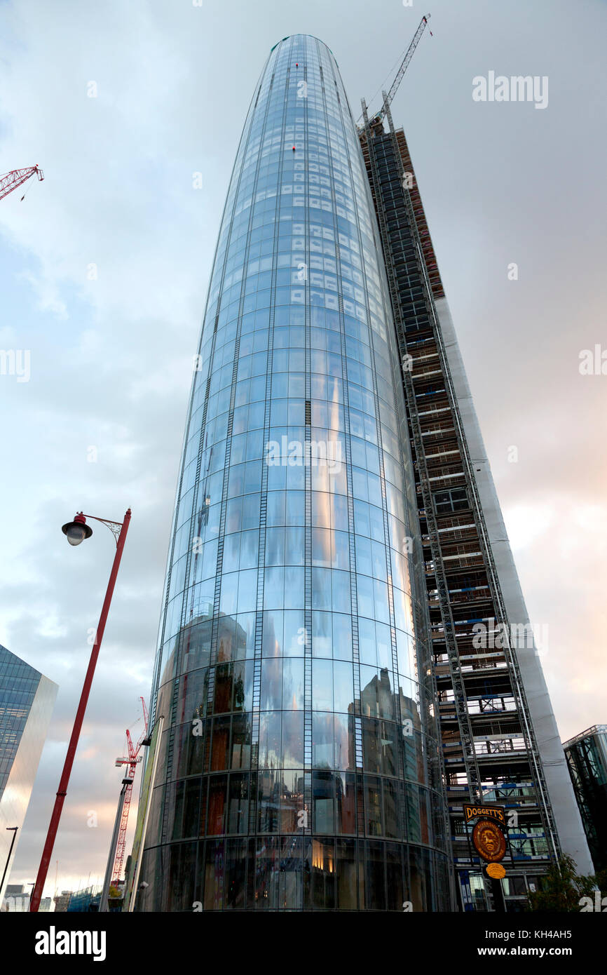 'One Blackfriars' tower, Bankside, London - Stock Image