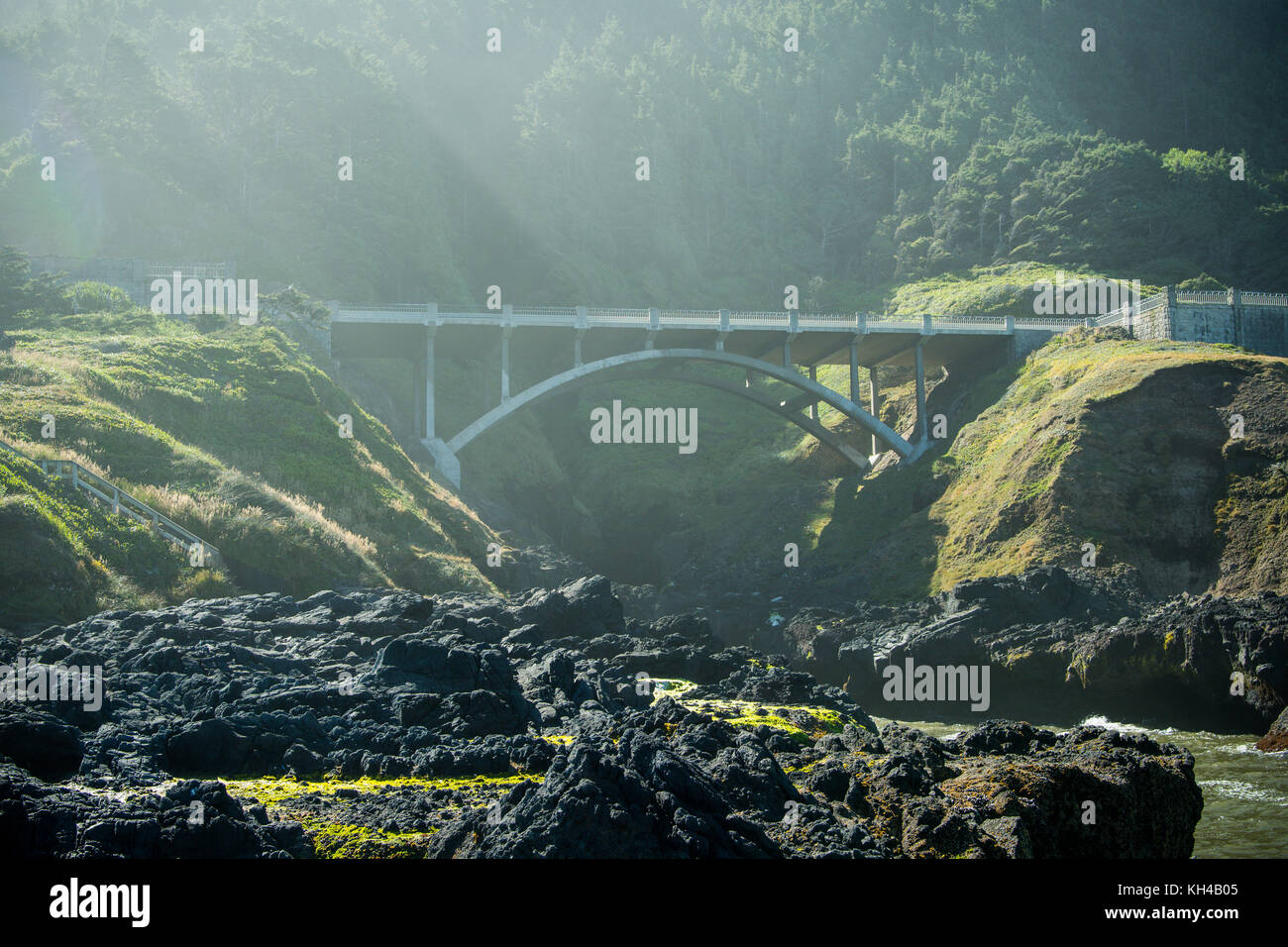 Bridge Over Cooks Chasm Along Pacific Coast - Stock Image
