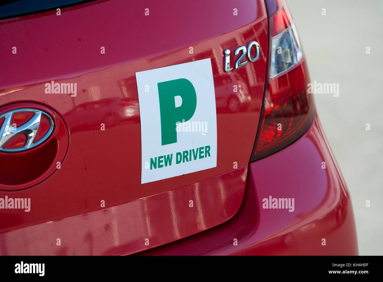 p plate drivers L and p plate guide a how-to guide for drivers obtaining – and keeping – a driver's licence in western australia l and p plate guide – wa.