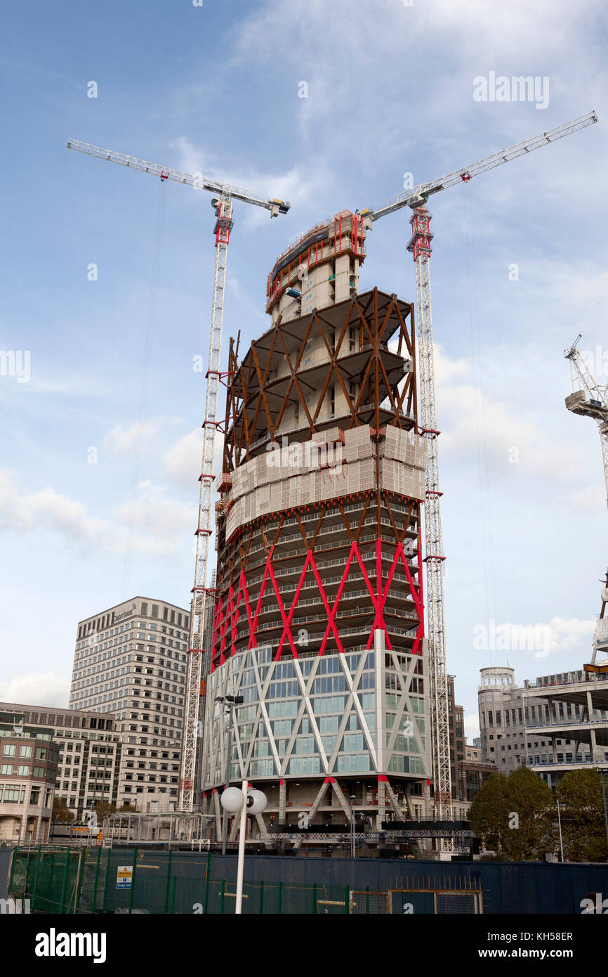 New building under construction at Canary Wharf, London - Stock Image