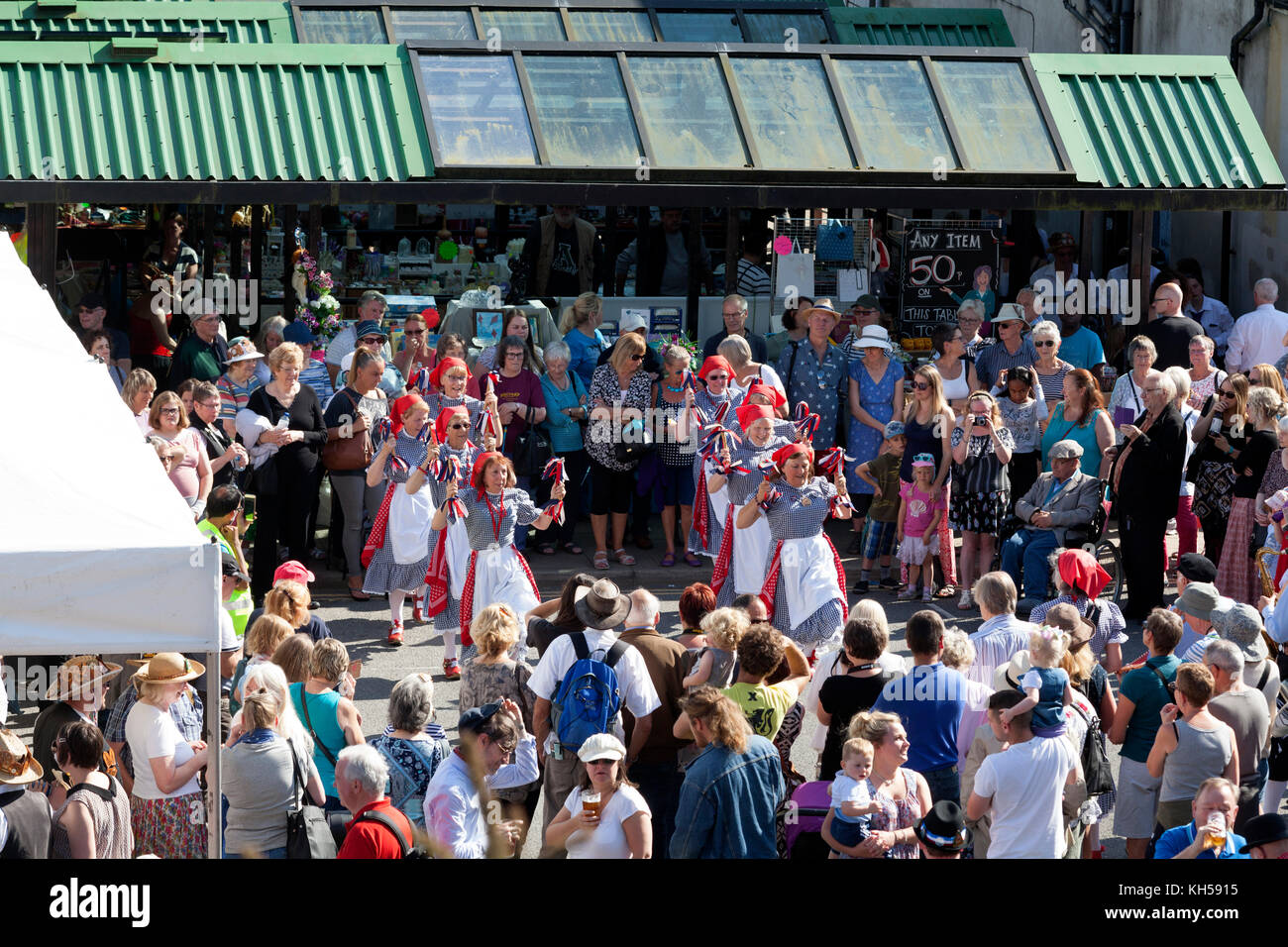 The Poynton Jemmers morris dancers at Sowerby Bridge market during the 2017 Rushbearing Festival - Stock Image