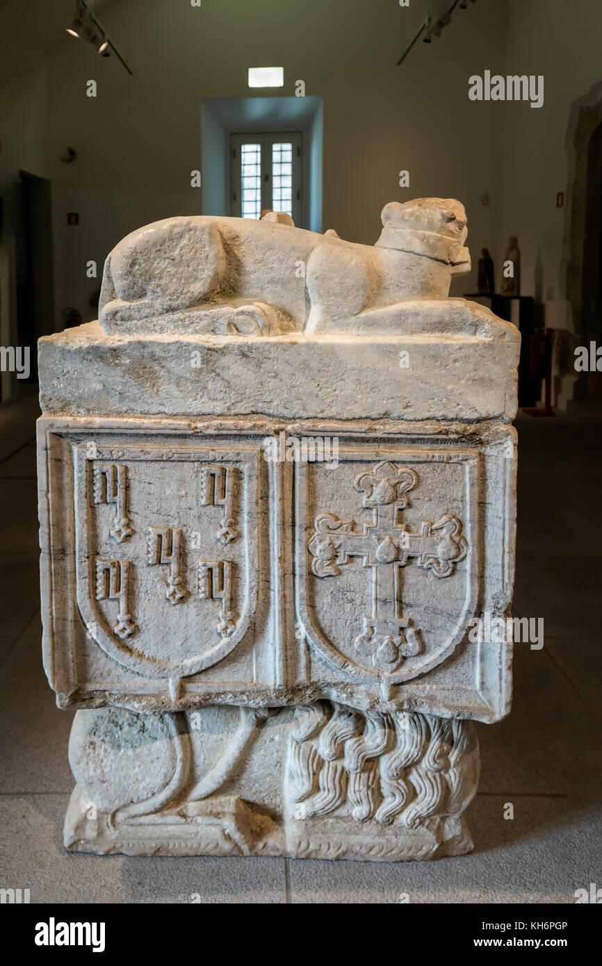 13th century marble tomb of Fernando Collus in the Evora Museum in Evora, Portugal - Stock Image