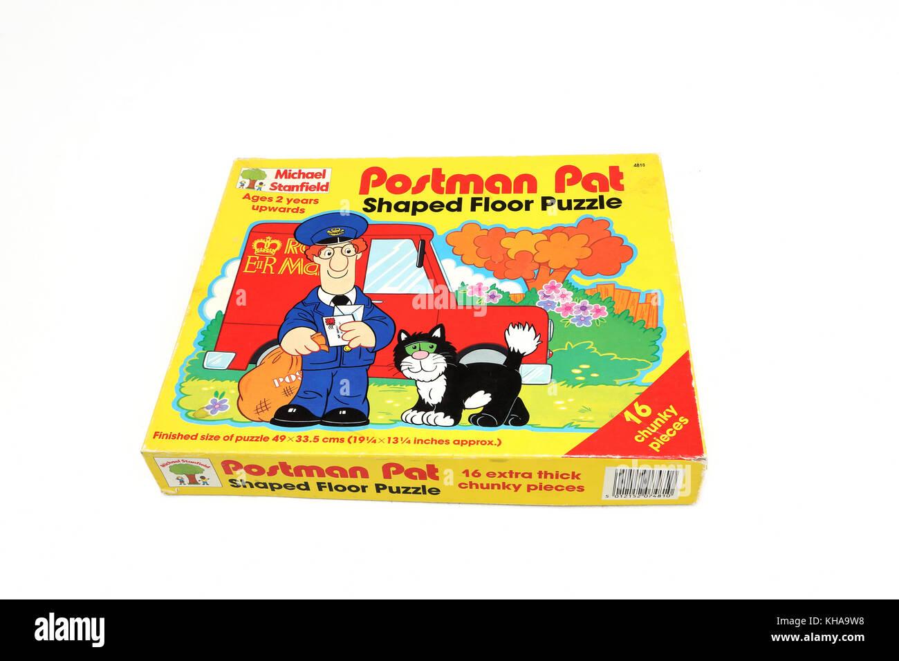 Jigsaw Puzzle Box Stock Photos Amp Jigsaw Puzzle Box Stock