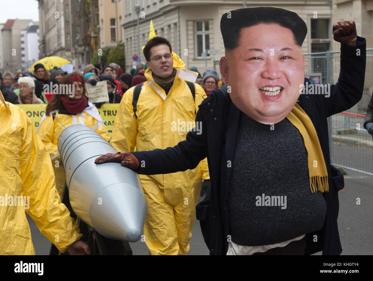 Berlin, Germany. 18th Nov, 2017. Protestors can be seen demonstrating against nuclear weapons politics in front - Stock Image