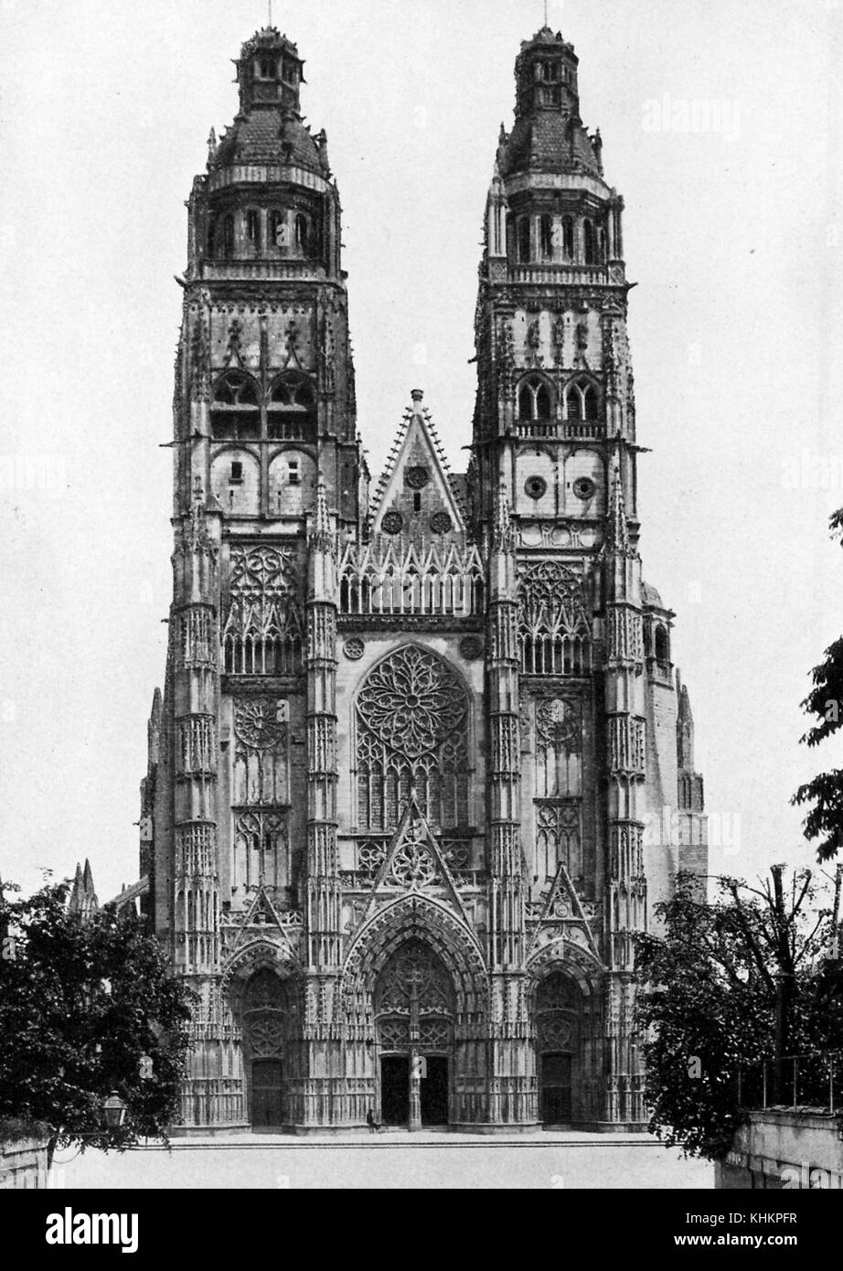 Front view of Tours Cathedral, its facade, constructed between 1426 and 1547, is considered a notable example of - Stock Image