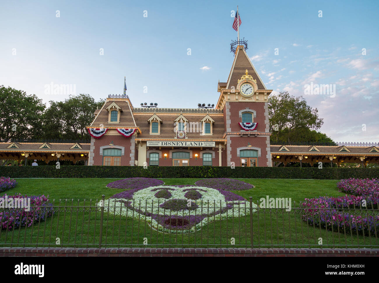 Disneyland anaheim mickey stock photos disneyland for King s fish house anaheim