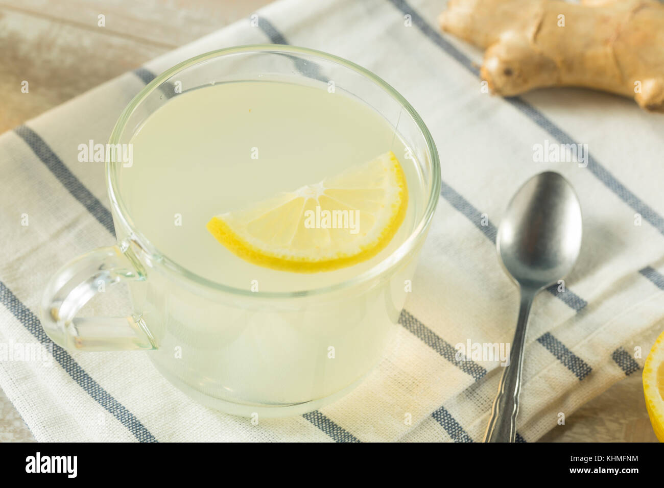 how to make honey and lemon drink