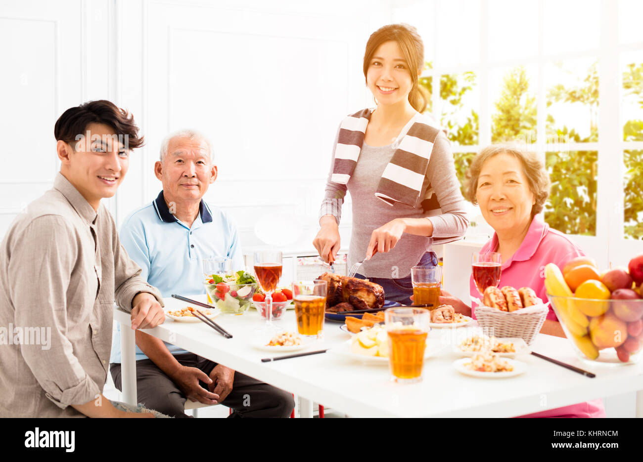 Family Eating Christmas Dinner Stock Photos & Family ...