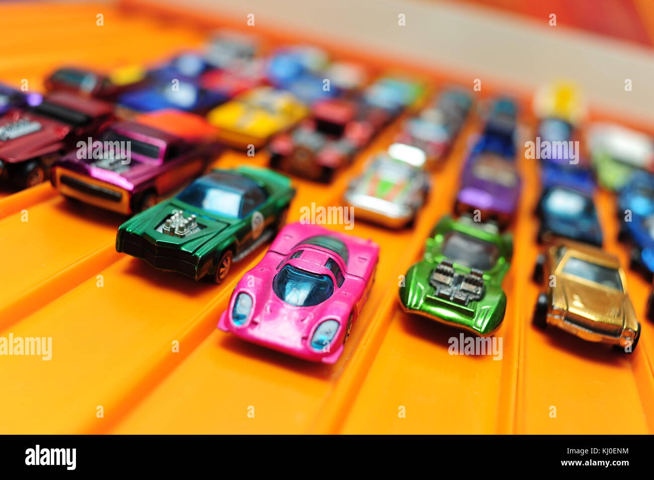 toys-classic-vintage-hot-wheels-cars-mad