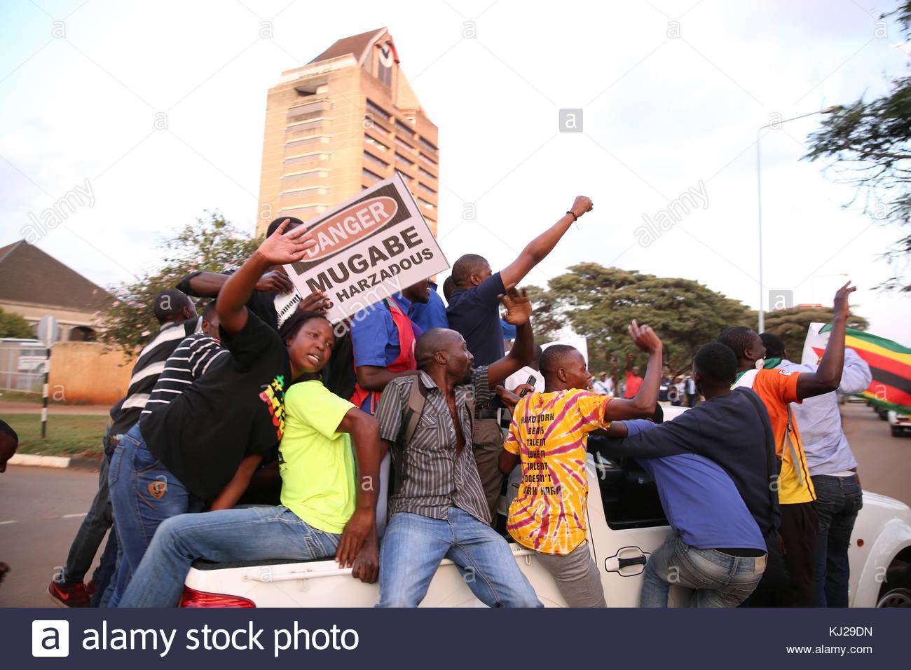 Harare, Zimbabwe. 21st Nov, 2017. Residents of Harare, Zimbabwe take to the streets on November 21, 2017 to celebrate - Stock Image