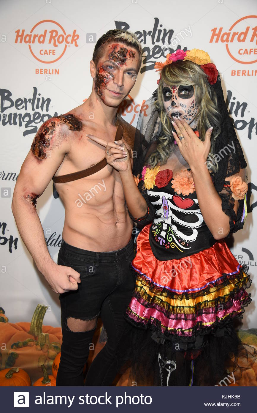 Halloween Party hosted by Natascha Ochsenknecht at Berlin Dungeon.  Featuring: Julian David, Annemarie Eilfeld Where: - Stock Image