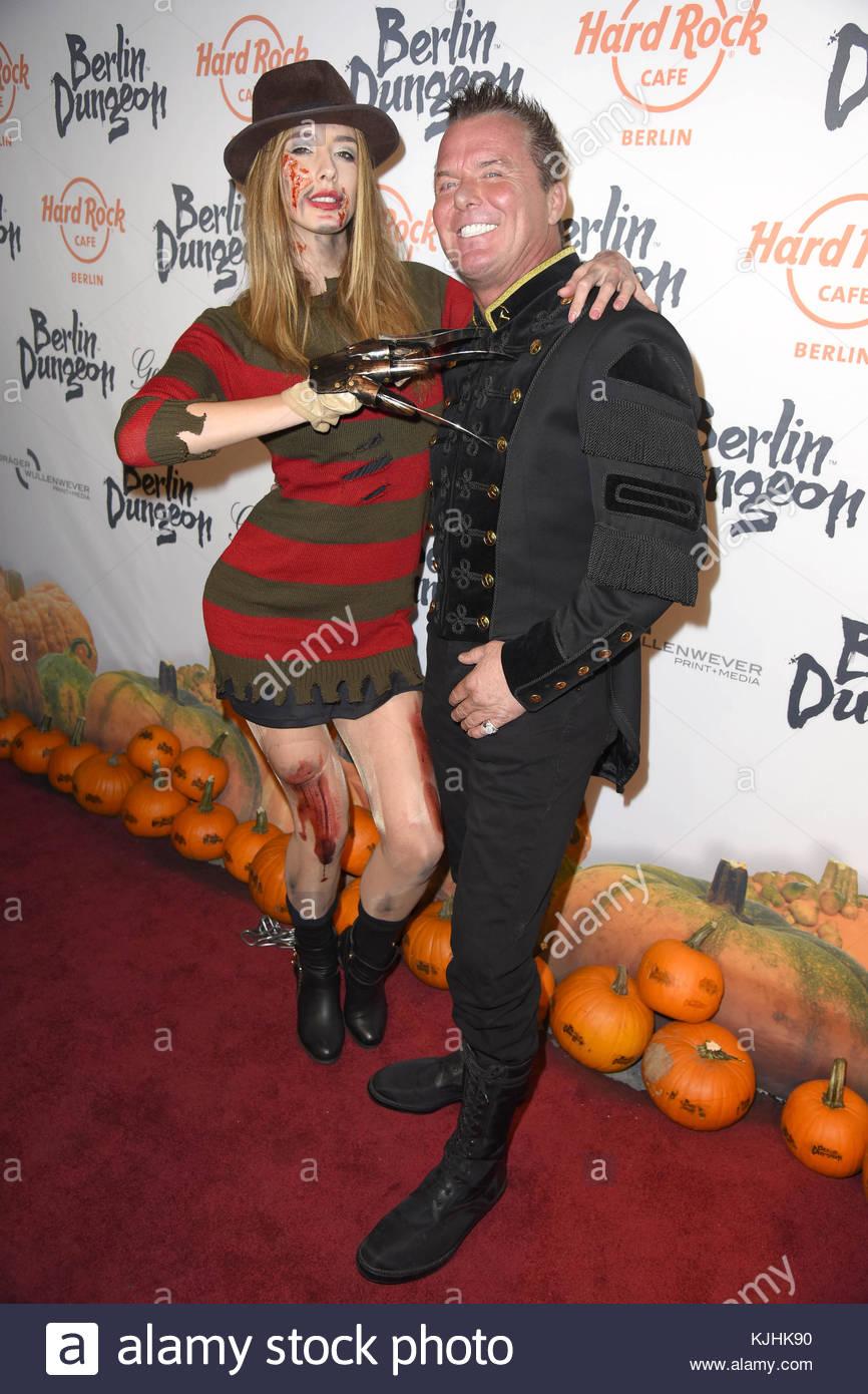 Halloween Party hosted by Natascha Ochsenknecht at Berlin Dungeon.  Featuring: Brenda Huebscher, Marcus von Anhalt - Stock Image