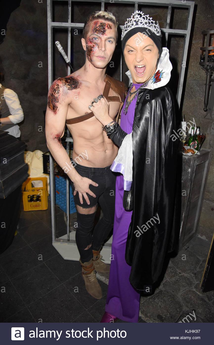 Halloween Party hosted by Natascha Ochsenknecht at Berlin Dungeon.  Featuring: Julian F. M. Stoeckel, Julian David - Stock Image