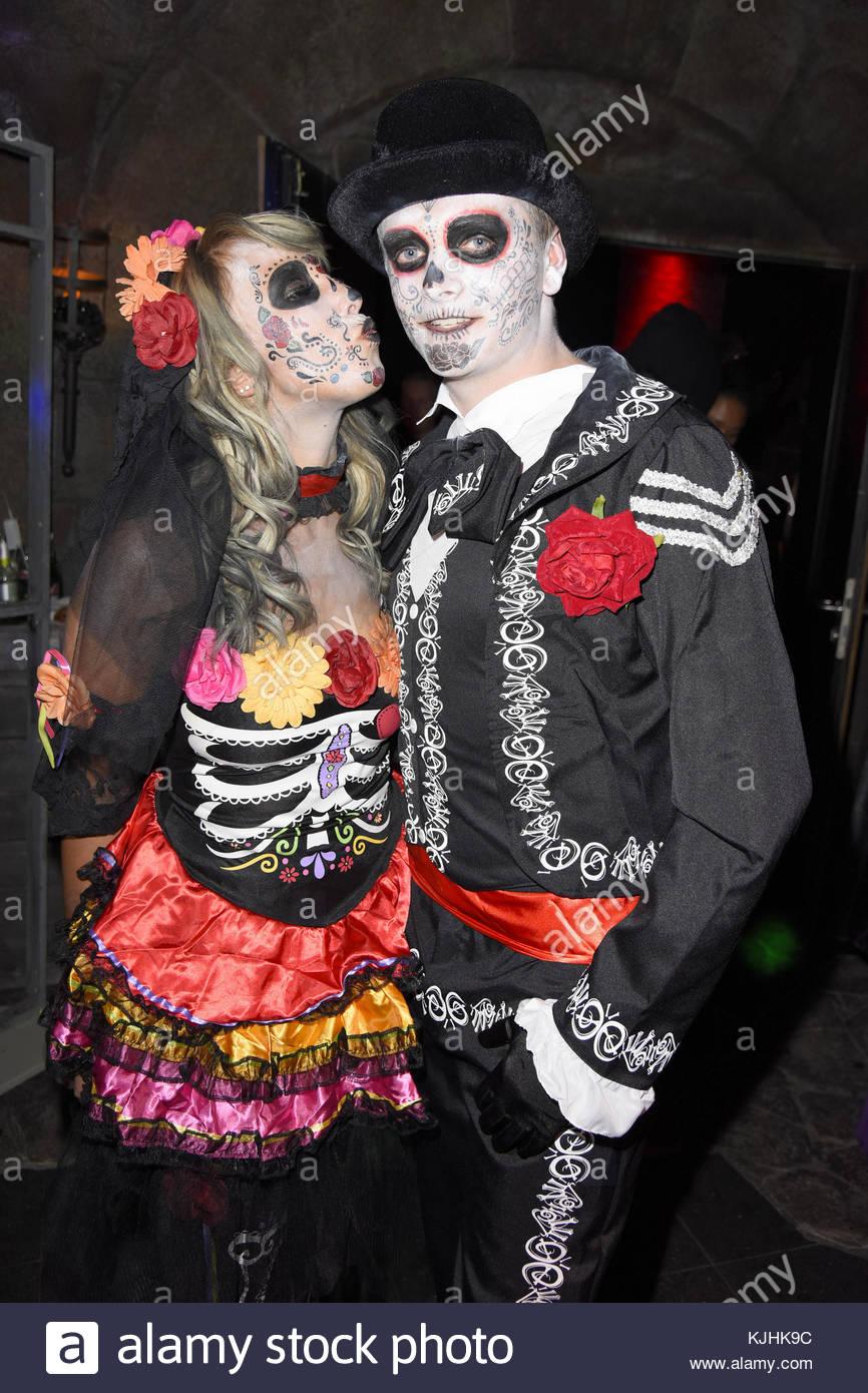 Halloween Party hosted by Natascha Ochsenknecht at Berlin Dungeon.  Featuring: Annemarie Eilfeld, her boyfriend - Stock Image